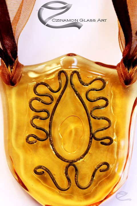 Mézsárga üvegmedál