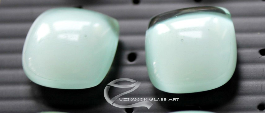 Almazöld üvegékszer
