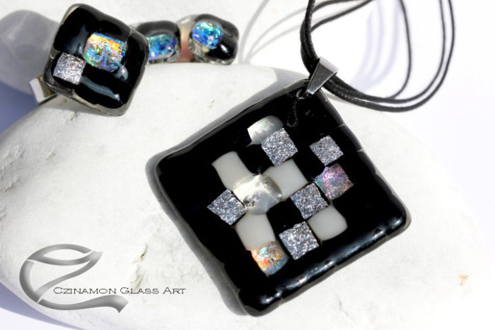 Fekete mozaik üveg ékszer szett