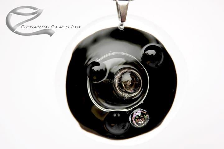 Fekete üveg medál