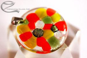 Narancssárga, zöld kerek üveg medál