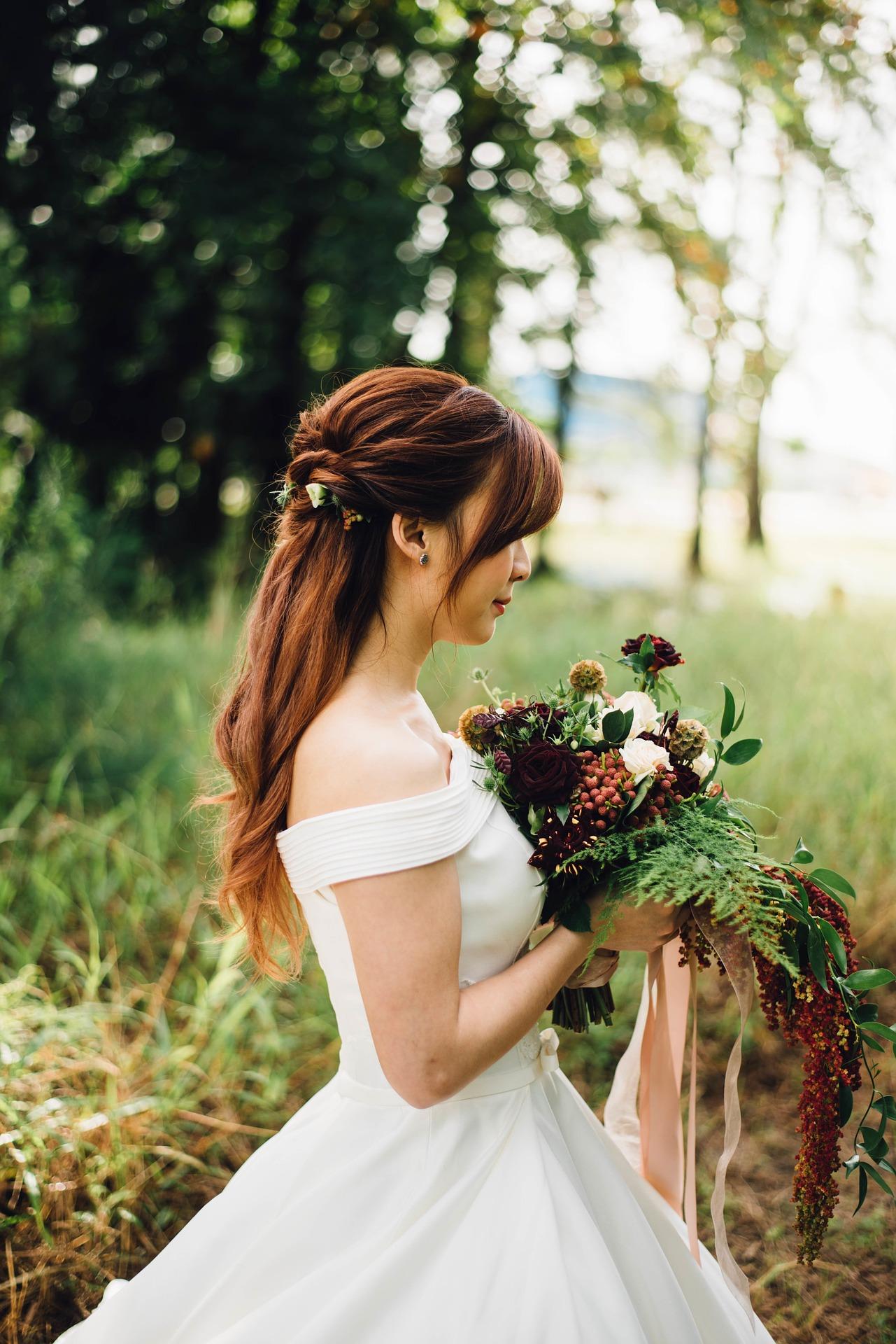 Esküvői ékszer: egyedi nyakláncok az esküvőre!
