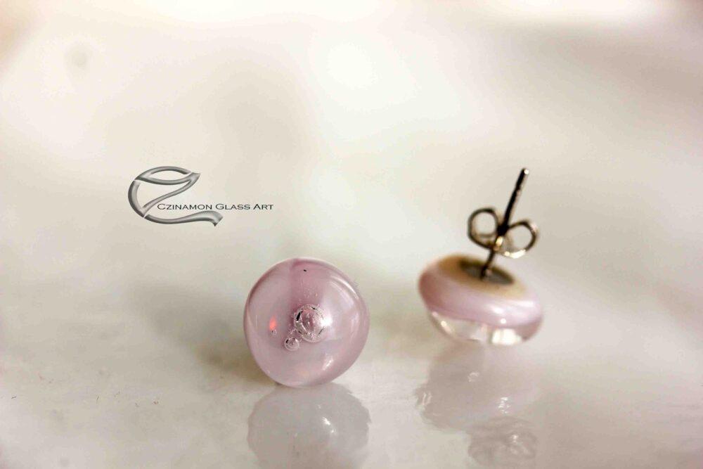 Rózsaszínű üveg fülbevaló