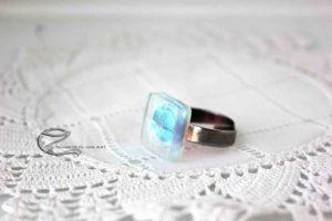 Színjátszós dichroic gyűrű