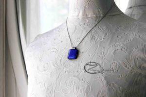 Zafírkék dichroic üvegmedál