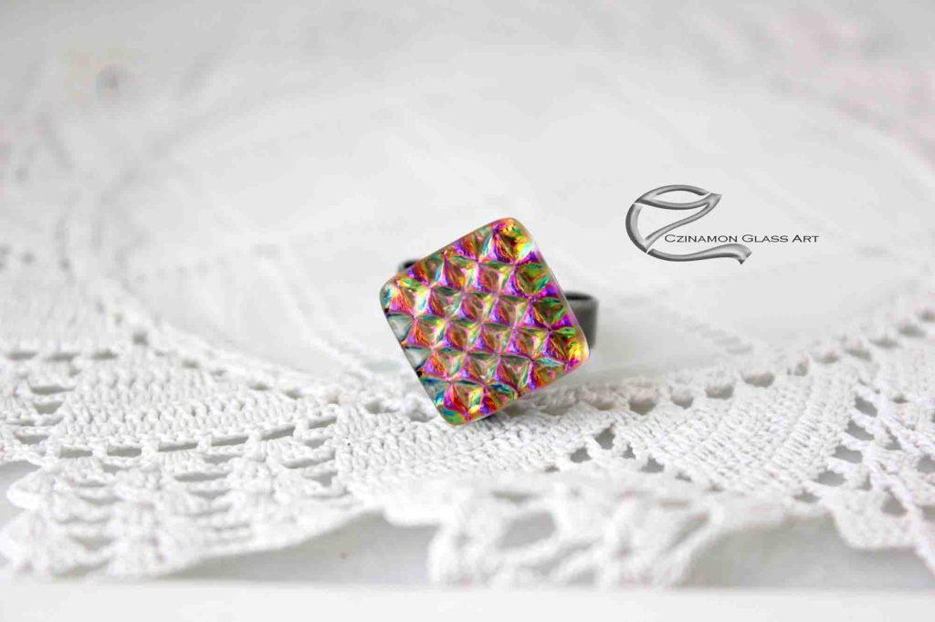 Rózsaszínes dichroic gyűrű