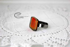 Vörös dichroic gyűrű