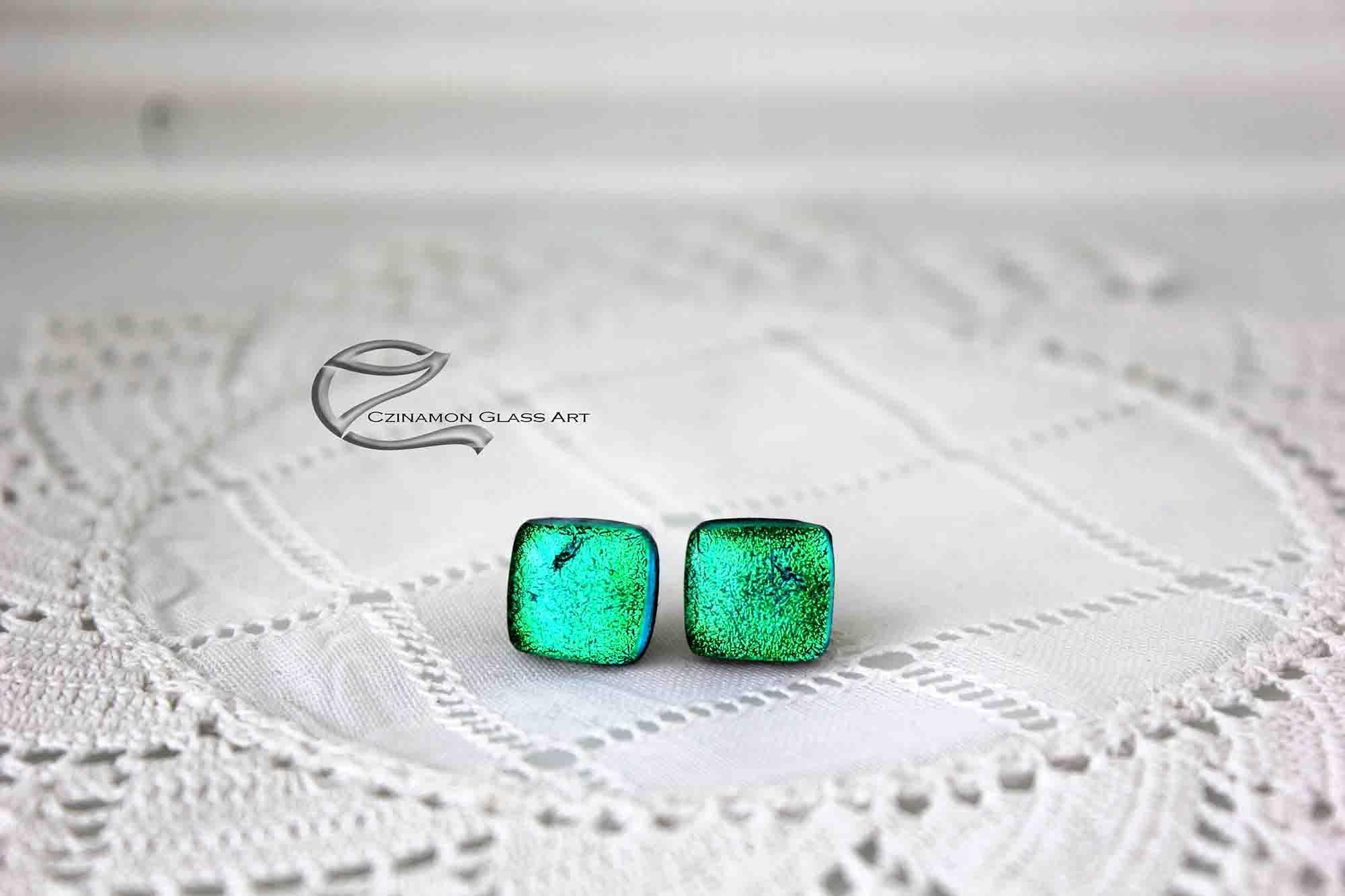 Zöld dichroic fülbevaló