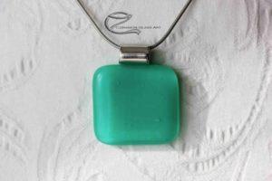 Cédrus zöld üveg medál