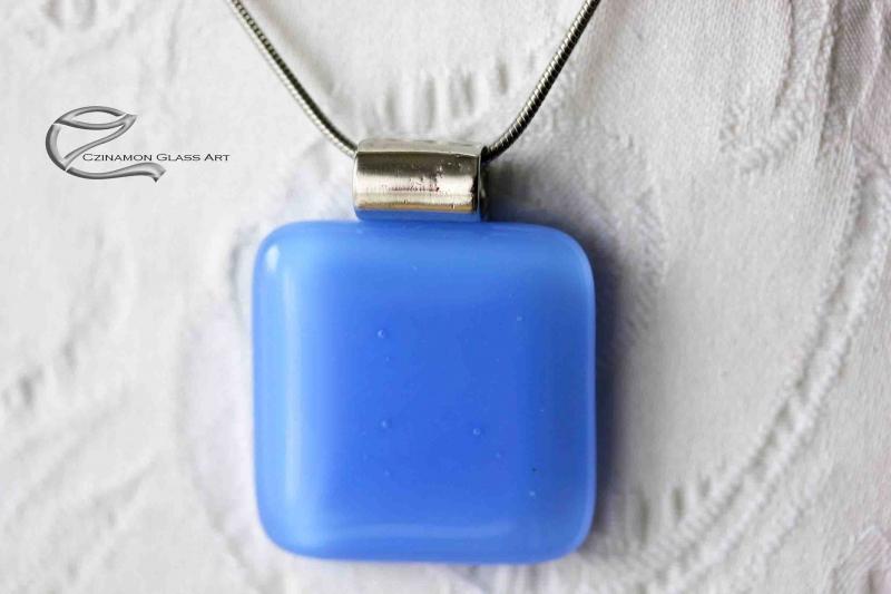 Indigó kék üveg medál