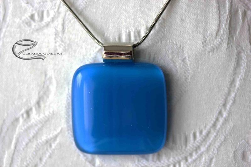 Karibi kék üveg medál