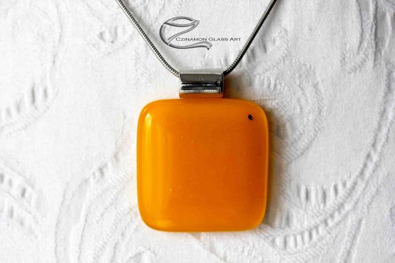 Narancssárga üveg medál