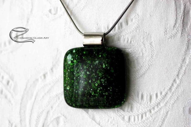 Olaj zöld üveg medál